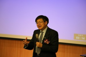 ACS representative Dr. H.N. Cheng gave a speech